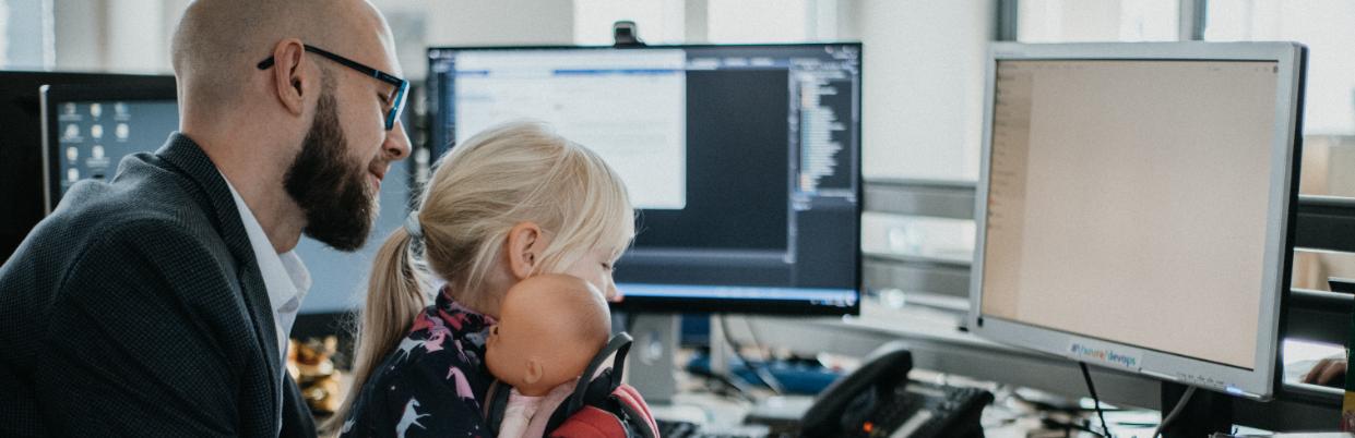 Anaxco Karriere Header Sascha Hirsch IT-Services IT-Lösungen IT-Experten Cloud Digitalisierung Speditionssoftware TMS Datensicherheit Server