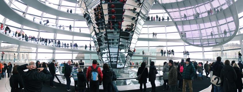 Anaxco Blog Beitrag Bild Bundestag IT-Services IT-Lösungen IT-Experten Cloud Digitalisierung Speditionssoftware TMS Datensicherheit Server