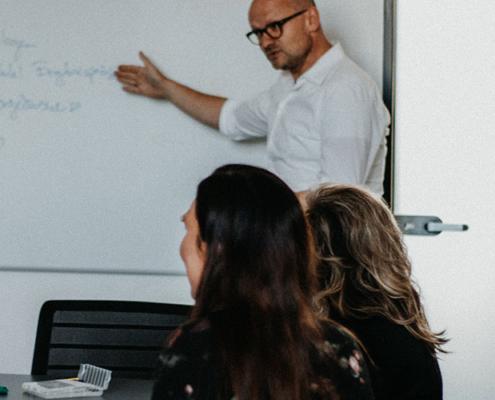 Anaxco Philosphie Header Besprechung IT-Services IT-Lösungen IT-Experten Cloud Digitalisierung Speditionssoftware TMS Datensicherheit Server